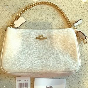 NWT COACH Large Wristlet In Chalk-Pebble Leather.